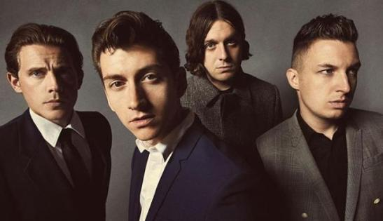 Novo som, novo visual para os Arctic Monkeys: Nick O'Malley, Jamie Cook, Matt Helders e Alex Turner. Foto: Zackery Michael | Divulgação